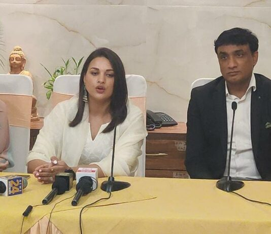 WhatsAppDo not take expert advice from Google for skin care - Himanshi Khurana Image 2021-08-31 at 7.20.45 PM
